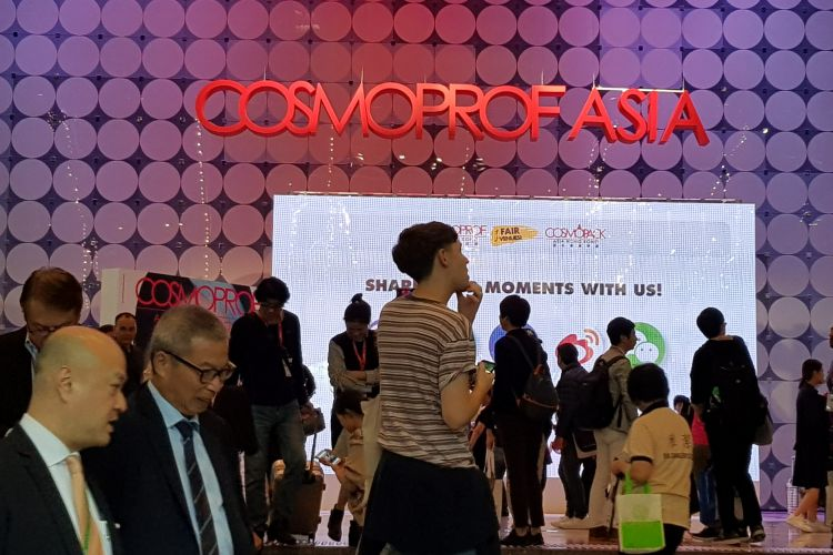 Color Art Desiree at the Cosmoprof Asia 2017 in Hong Kong